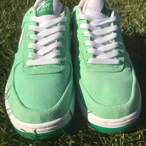 Nike Shoes - Women's Nike Air Force One Size 9